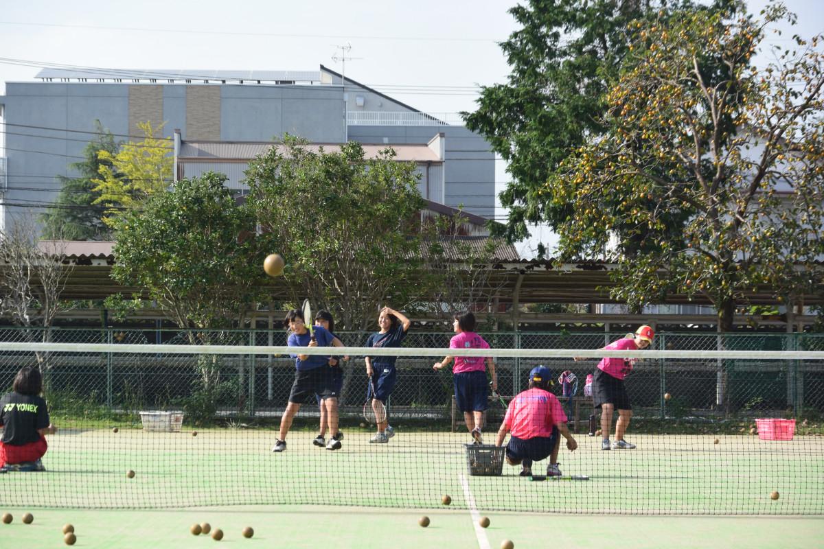 10.2 女子テニス やる気十分